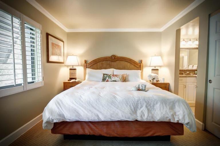 Zimmer mit Bett vom Casa Ybel Resort auf Sanibel Island