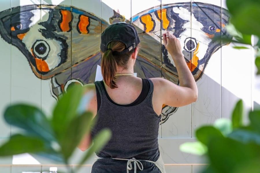 Schmetterling gemalt auf einer Wand in Florida