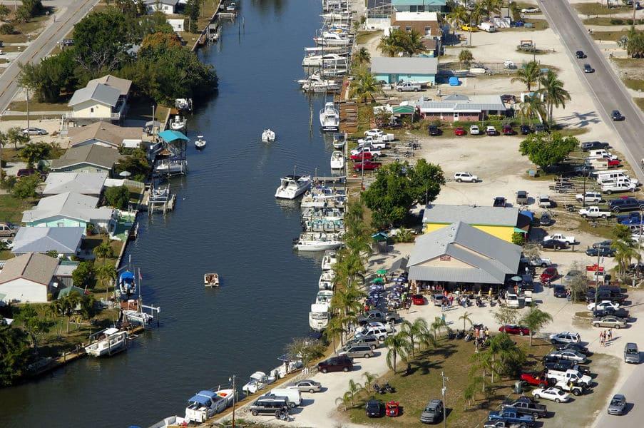 Monroe Canal Marina Hafen auf Pine Island von oben