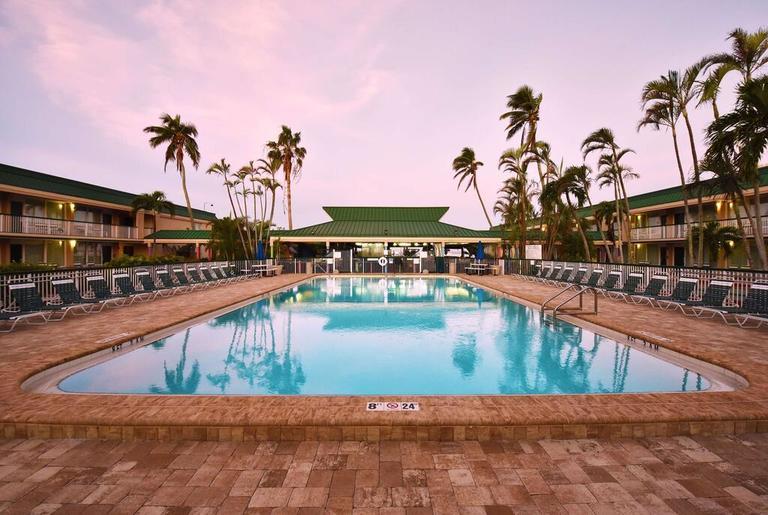 Pool vom Wyndham Garden in Fort Myers Beach